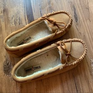 Minnetonka brown moccasins size 8